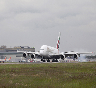 Emirates' eight daily London flights set to become all-A380